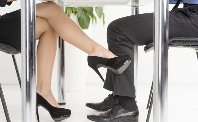 5 признака, с които да разбереш, че едно момиче те харесва