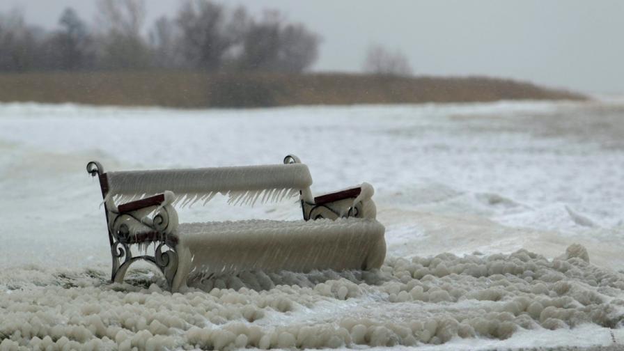 -35 градуса в Румъния, студ скова Балканите