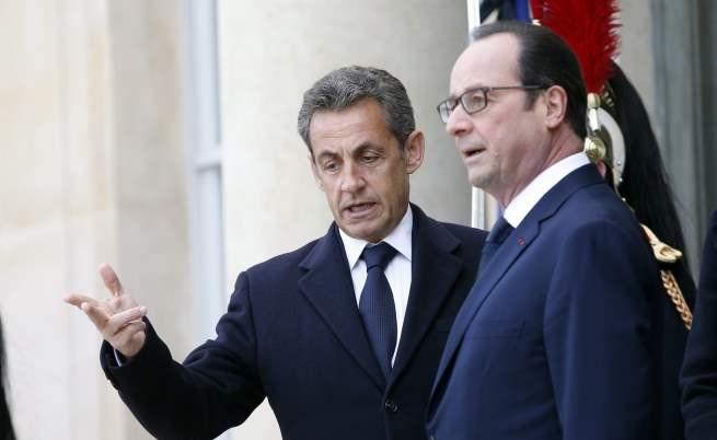 Никола Саркози и Франсоа Оланд в Елисейския дворец днес