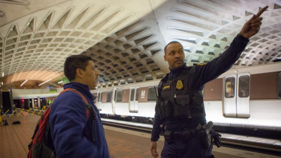Вашингтон: Един починал и десетки пострадали при инцидент в метрото