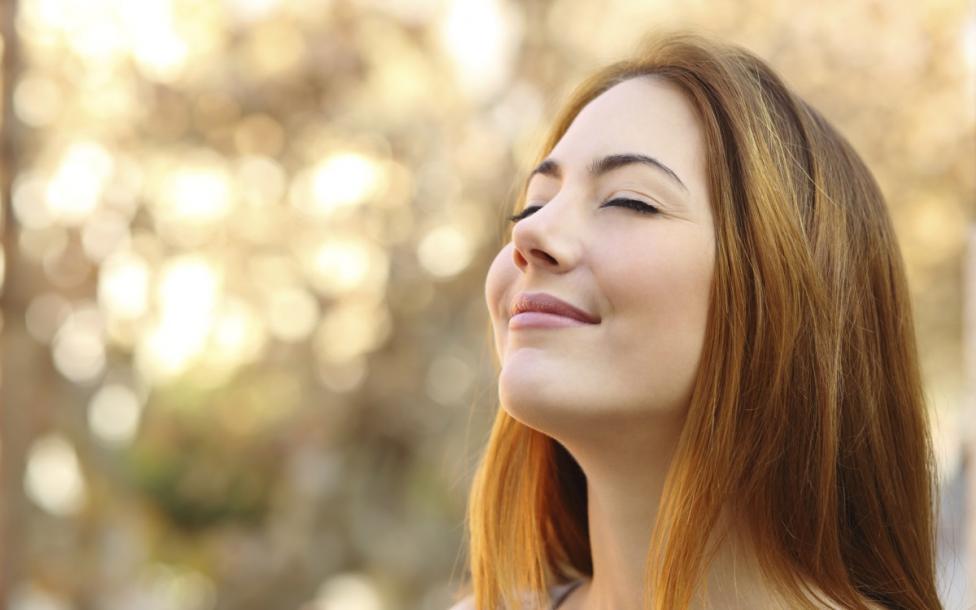 - Не мърдайте Независимо дали ще медитирате или просто ще откраднете малко тихо време за себе си, просто намерете момент, в който да не се движите...