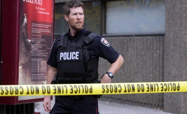Двама полицаи бяха простреляни в Канада