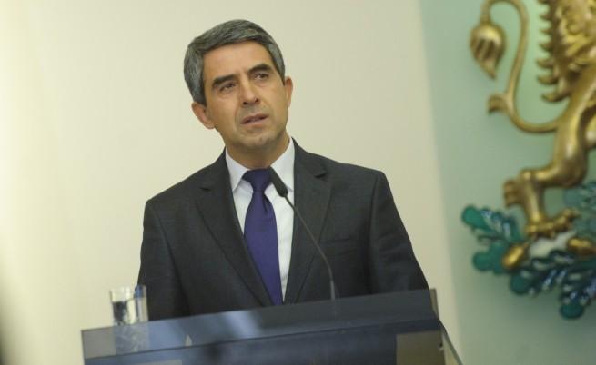 Президентът продължава консултациите с БСП и ДПС