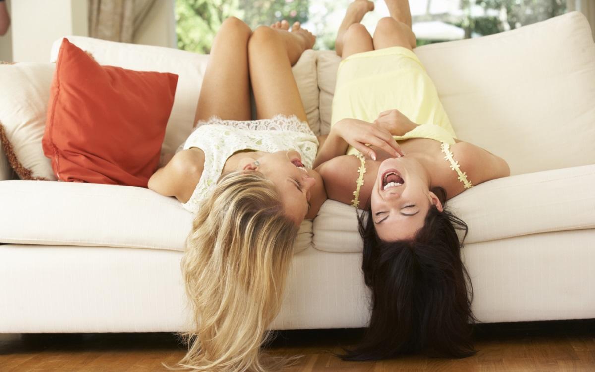 Бъдете социални<br /> <br /> Нека времето, което прекарвате с приятелите си стане ваш приоритет. Независимо дали ще излезете навън или ще сте заедно на закрито, важно е да се отпуснете и да се насладите напълно на времето с приятелите ви.
