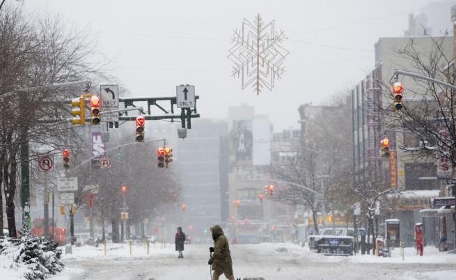 Ню Йорк се размина с бурята по-леко от очакваното