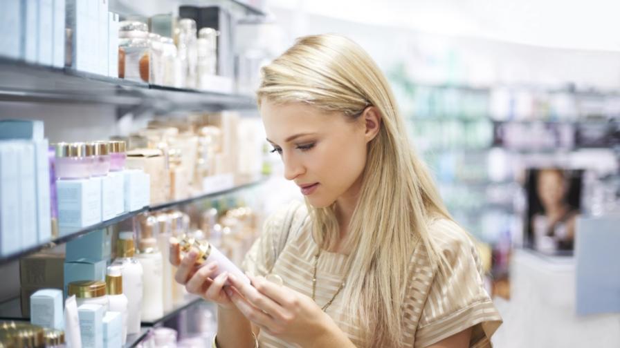 Учени:Химикали в козметиката ускоряват менопаузата