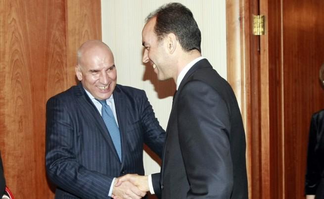Хампарцумян: Политици не може да искат оставка на Искров