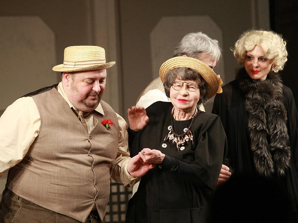 Стоянка Мутафова отпразнува 93-я си рожден ден на сцената на Сатиричния театър