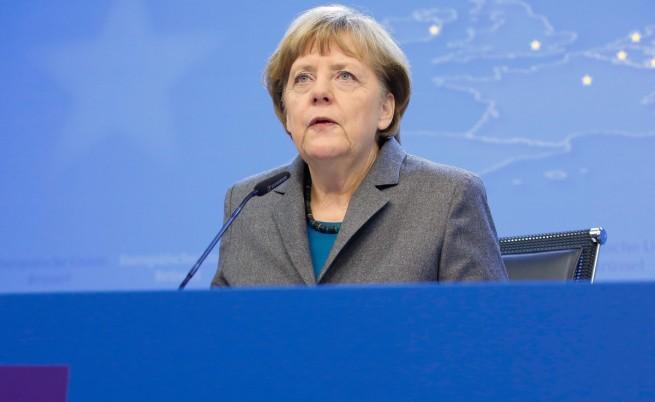 Меркел: Възможни са нови санкции, ако примирието в Украйна пропадне