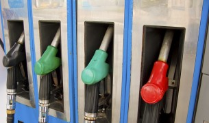 Бензинът у нас - третият най-евтин в ЕС и на Балканите