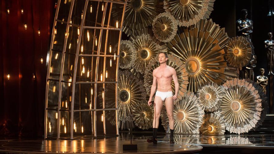 """Нийл Патрик Харис се появи на сцената на """"Оскар""""-ите само по бельо"""