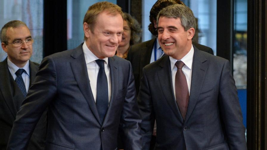 Президентът Плевнелиев и Доналд Туск обсъдиха конфликта в Украйна