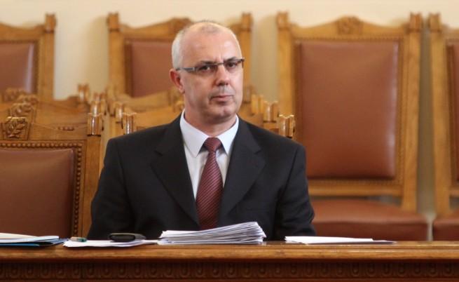 Вътрешният министър Веселин Вучков подаде оставка