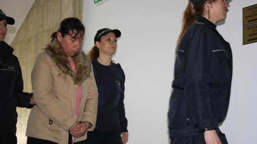 Обвиняемата твърди, че не е убила Алекс от Поморие