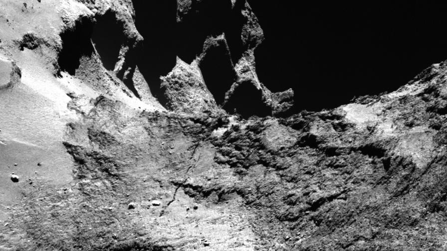 """Кадри от кометата Чурюмов-Герасименко, изпратени от """"Филе"""""""