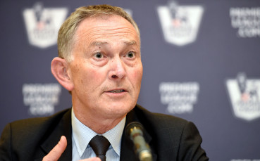 Клубовете в Англия даряват 5 млн. паунда на бившия бос на Висшата лига