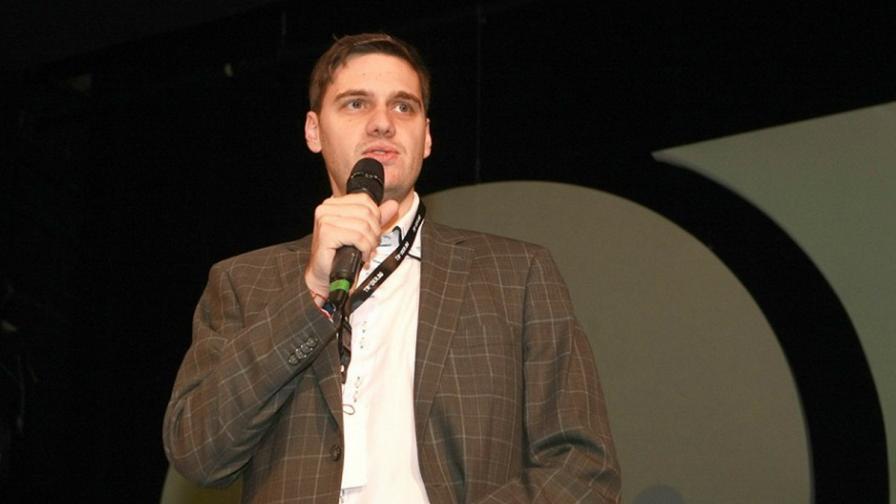 Председателят на IAB България Христо Христов открива конференцията в София