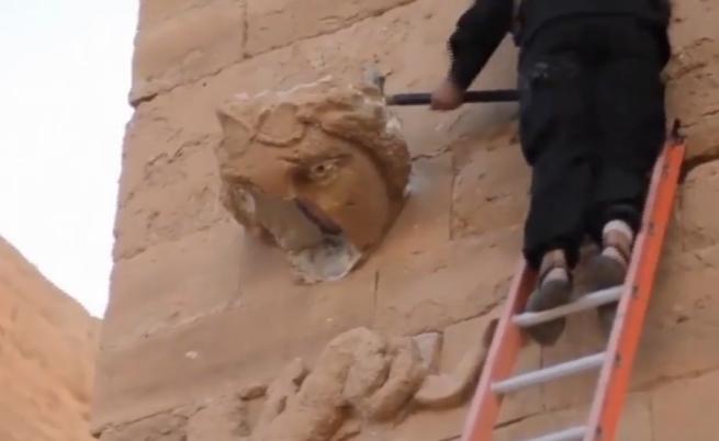 """""""Ислямска държава"""" показа как унищожава древния град Хатра (видео)"""