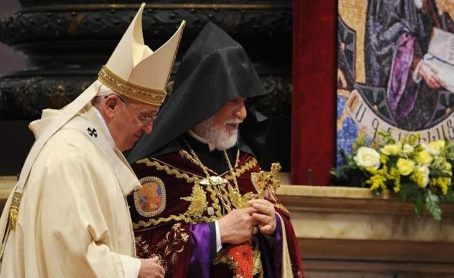 Папа Франциск: Избиването на арменци в Турция е геноцид