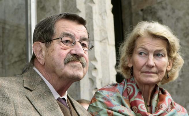 Гюнтер Грас заедно със съпругата си