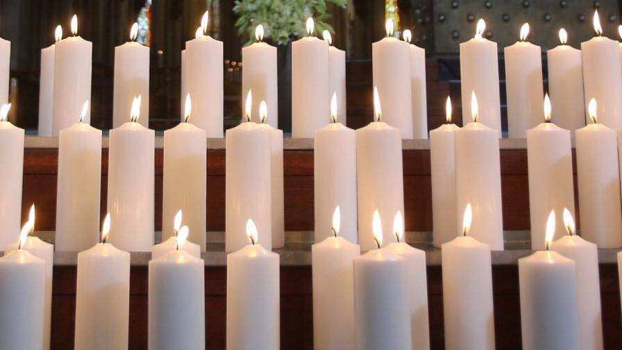 Лидери почетоха жертвите на падналия в Алпите самолет