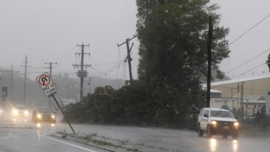 Силни бури взеха три жертви в Австралия