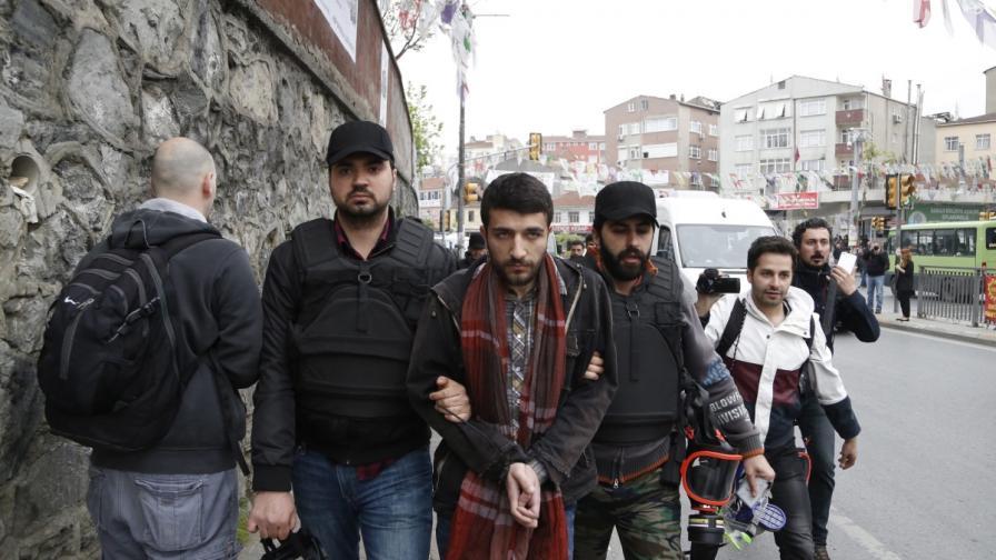 Един от арестуваните за опит да достигне до площад Таксим