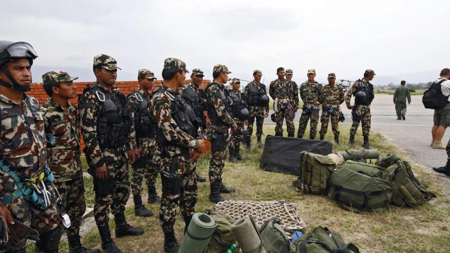 Намериха останките на изчезналия американски хеликоптер в Непал