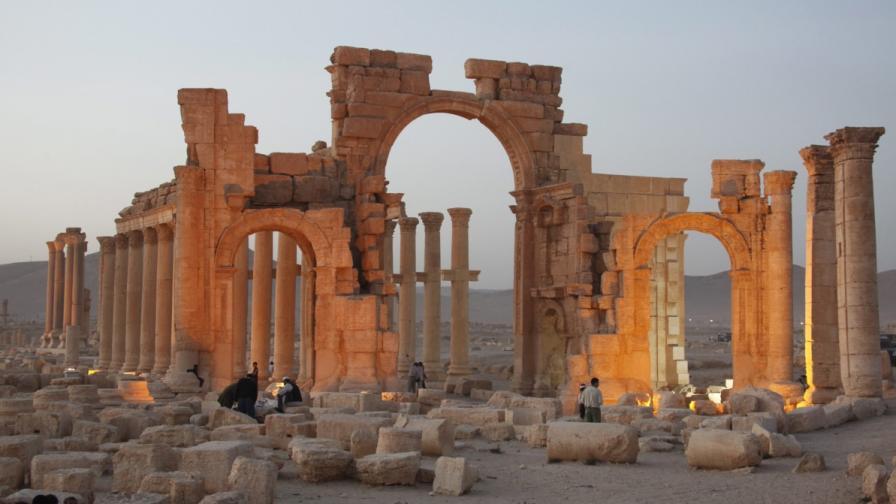"""""""Ислямска държава"""" напредва към древния град Палмира"""