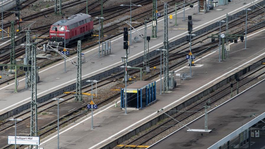 Двама загинали и 20 ранени при жп катастрофа в Германия