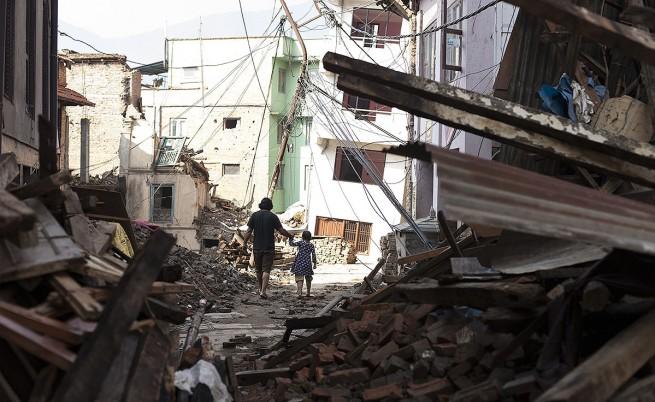 Броят на жертвите от земетресенията в Непал достигна 8400