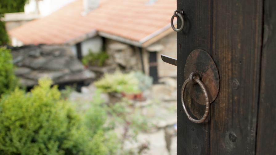 Село с над 100 паметника на културата е на път да изчезне