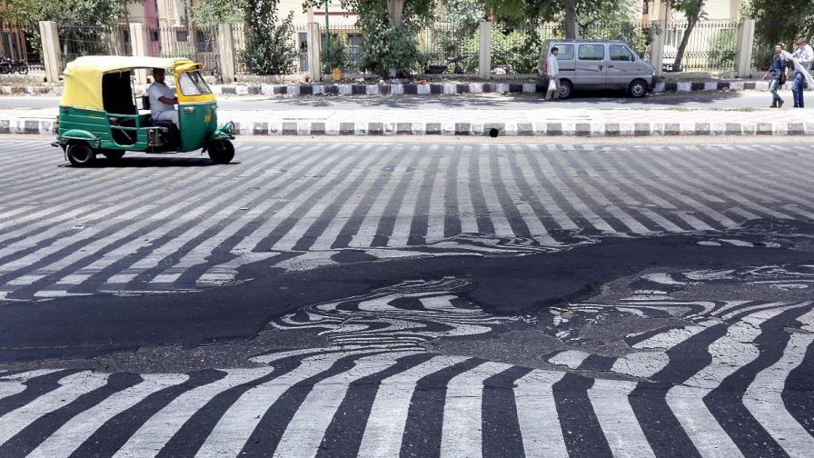 Жертвите на горещата вълна в Индия вече са над 1100