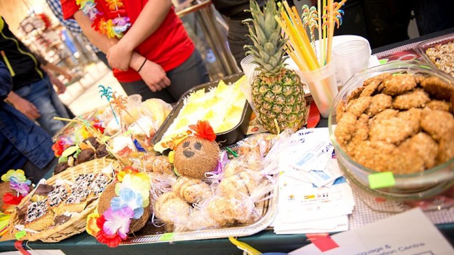 АВО Езиков и изпитен център празнува и раздава подаръци