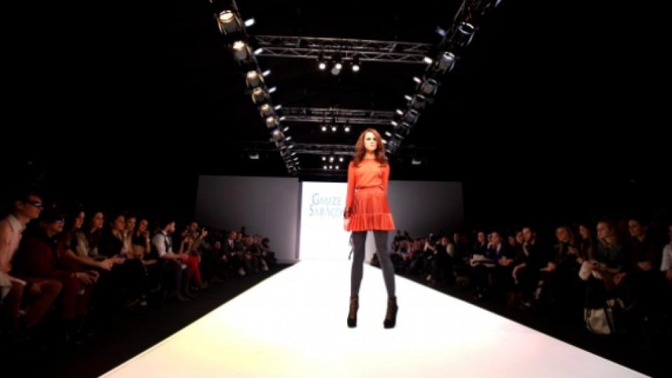 Модният маратон започна с дефиле на Гамзе Саракьоглу, която е млад турски дизайнер