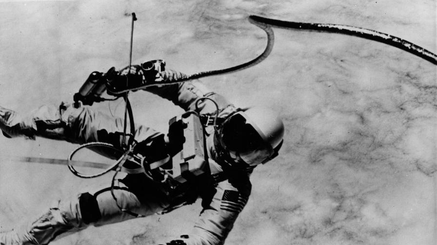 50 г. от първата космическа разходка на американец