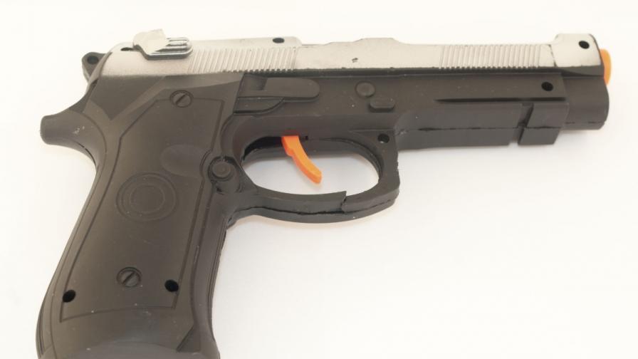 Сърбия: Ученици откраднаха дневника с пистолет играчка