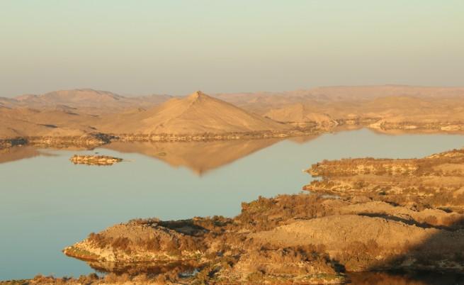 Езерото Насър