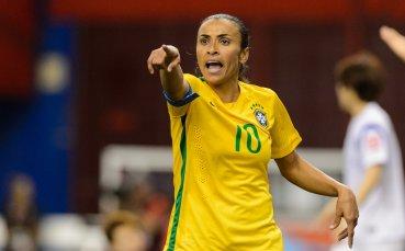Легендата Марта продължава с футбола