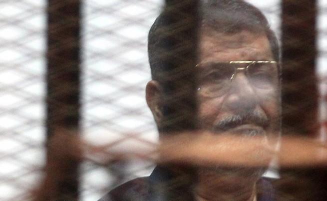 Осъдиха бившият египетски президент Морси и за шпионаж