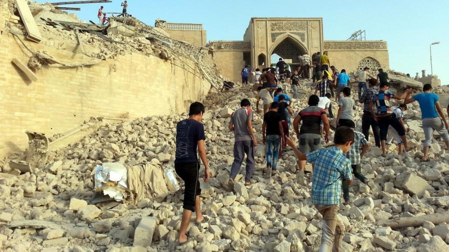 ИД изравни със земята гробница на светец в Мосул