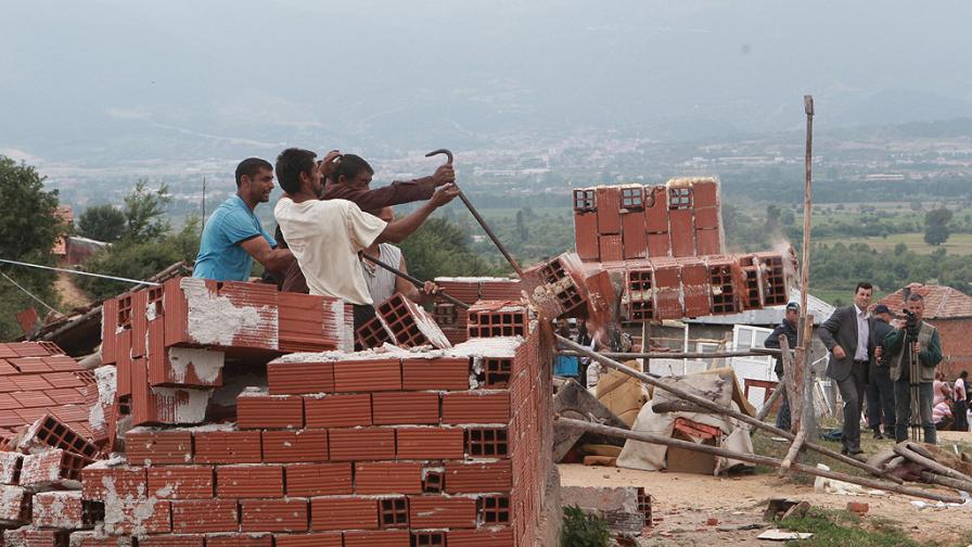 ДНСК: Община Гърмен не контролира незаконни строежи