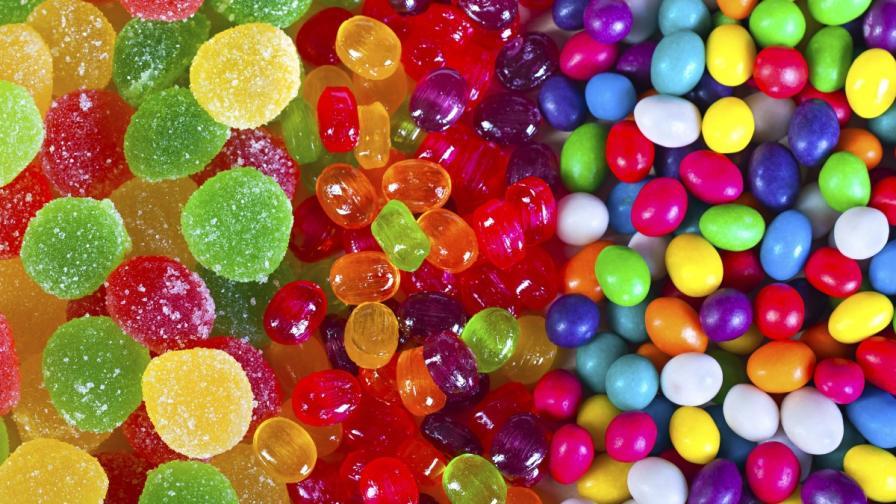 Червено, синьо и зелено в храните и напитките са опасни