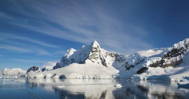Топенето на ледовете в Антарктика се ускорява все повече. Това