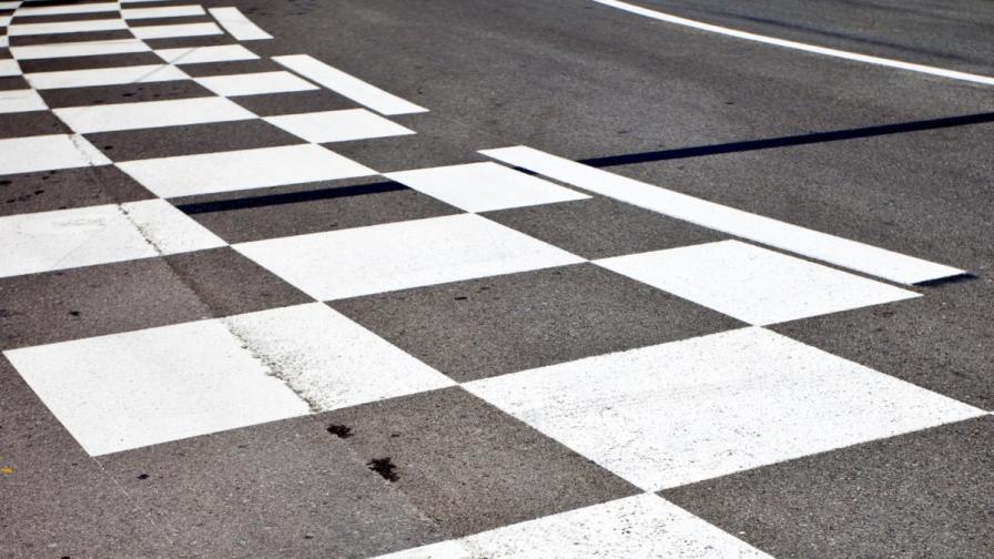 Незрящи шофираха по писта за Формула 1