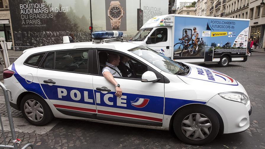 """Шофьорът, опитал да вреже кола в пл. """"Конкорд"""" – на 16"""