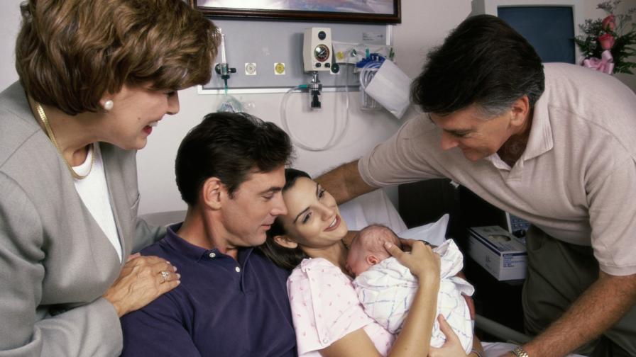 Връзката между бебето и майката се гради в първите минути след раждането