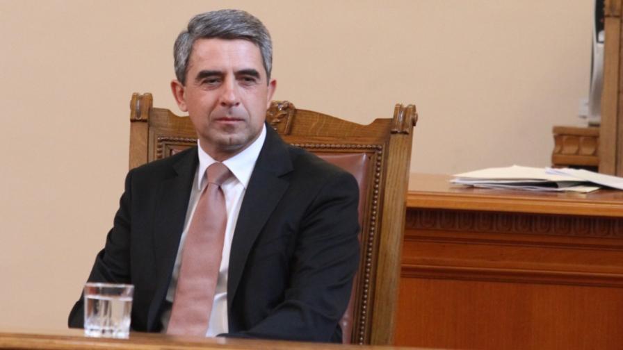 """Русия: Плевнелиев страда от """"дефицит на аргументация"""""""