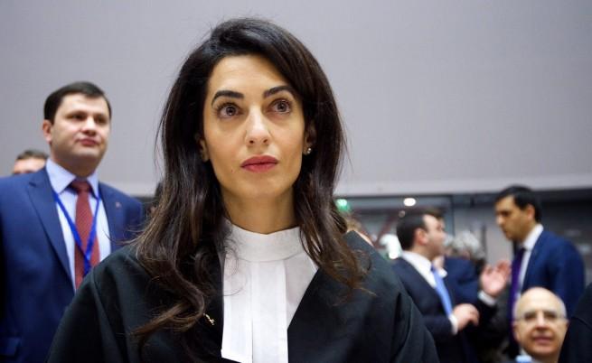 Съпругата на Джордж Клуни ще защитава сина на Кадафи
