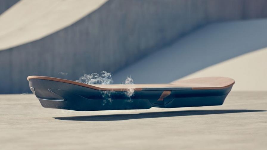 """Летящият скейтборд на """"Лексъс"""" е вече тук"""